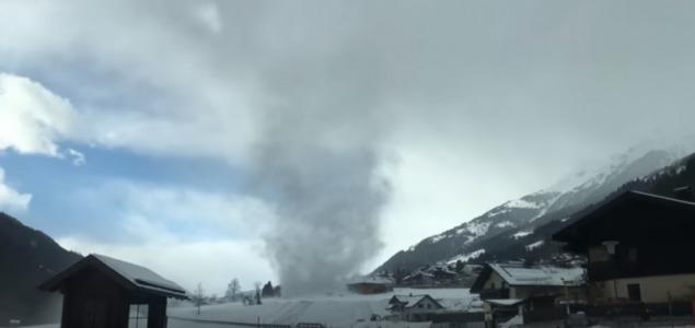 Havas forgószelet videóztak Ausztriában