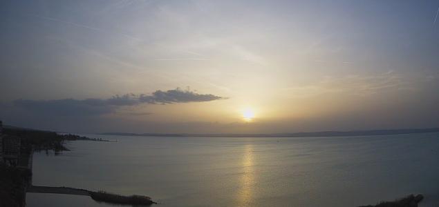 Szaharai por aranyozta be a naplementét