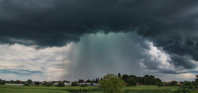 Hőség heves viharokkal