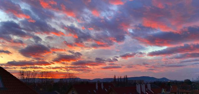 Bámulatos naplementével zárult a hét