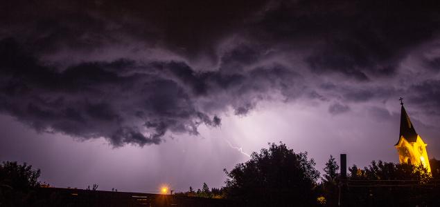 Egymást érték a viharok