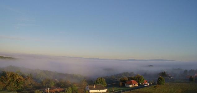 Ködös ébredés az Alpokalján