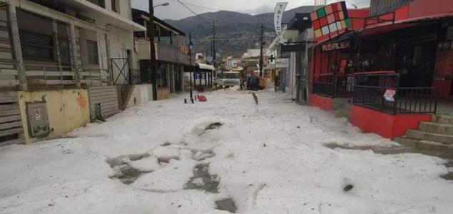 Jég borította be Kréta egyik városát