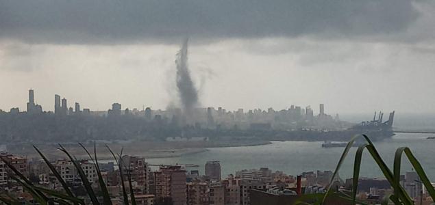 Víztölcsérből lett tornádó érte el a bejrúti kikötőt