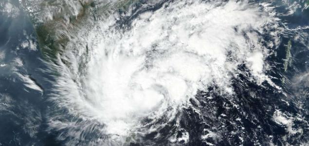 Lecsapott a Nivar ciklon Indiára