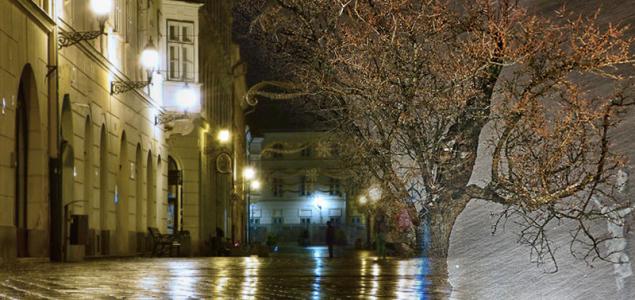 Hóval, esővel melegfront jön holnap este