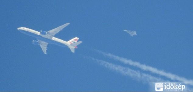 Felhők helyett vadászgép