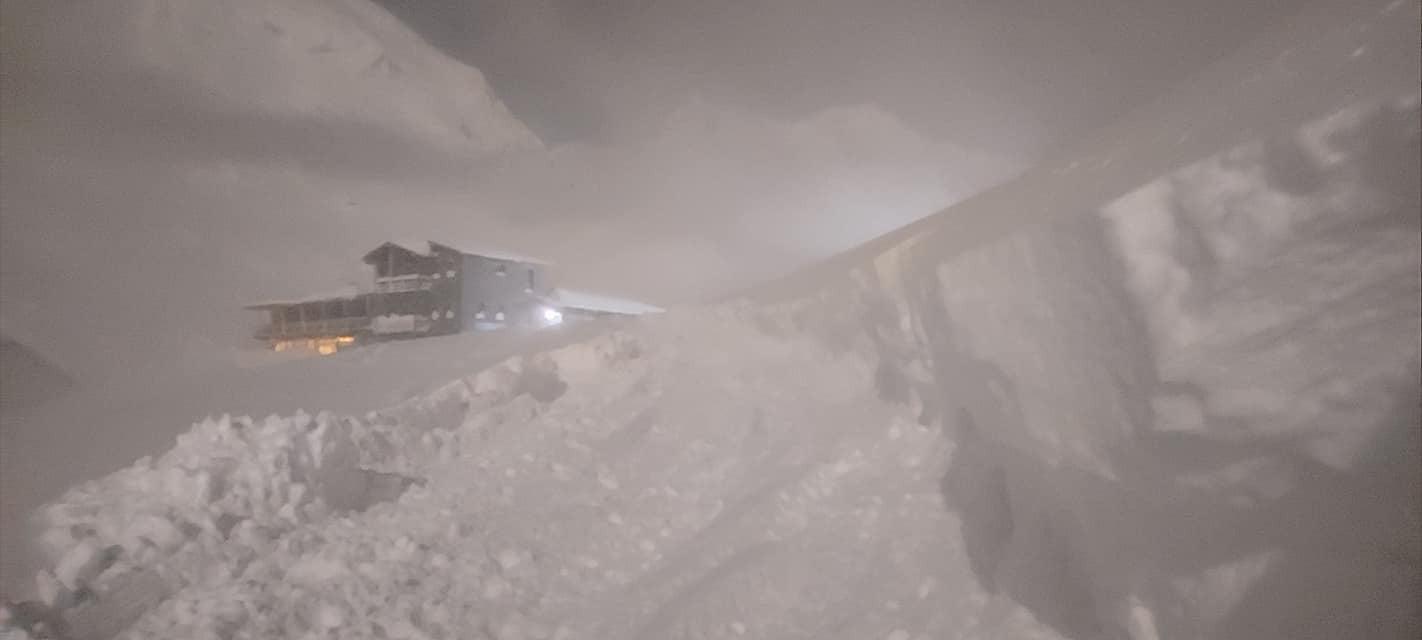 3 méteres a hó a Déli-Kárpátokban