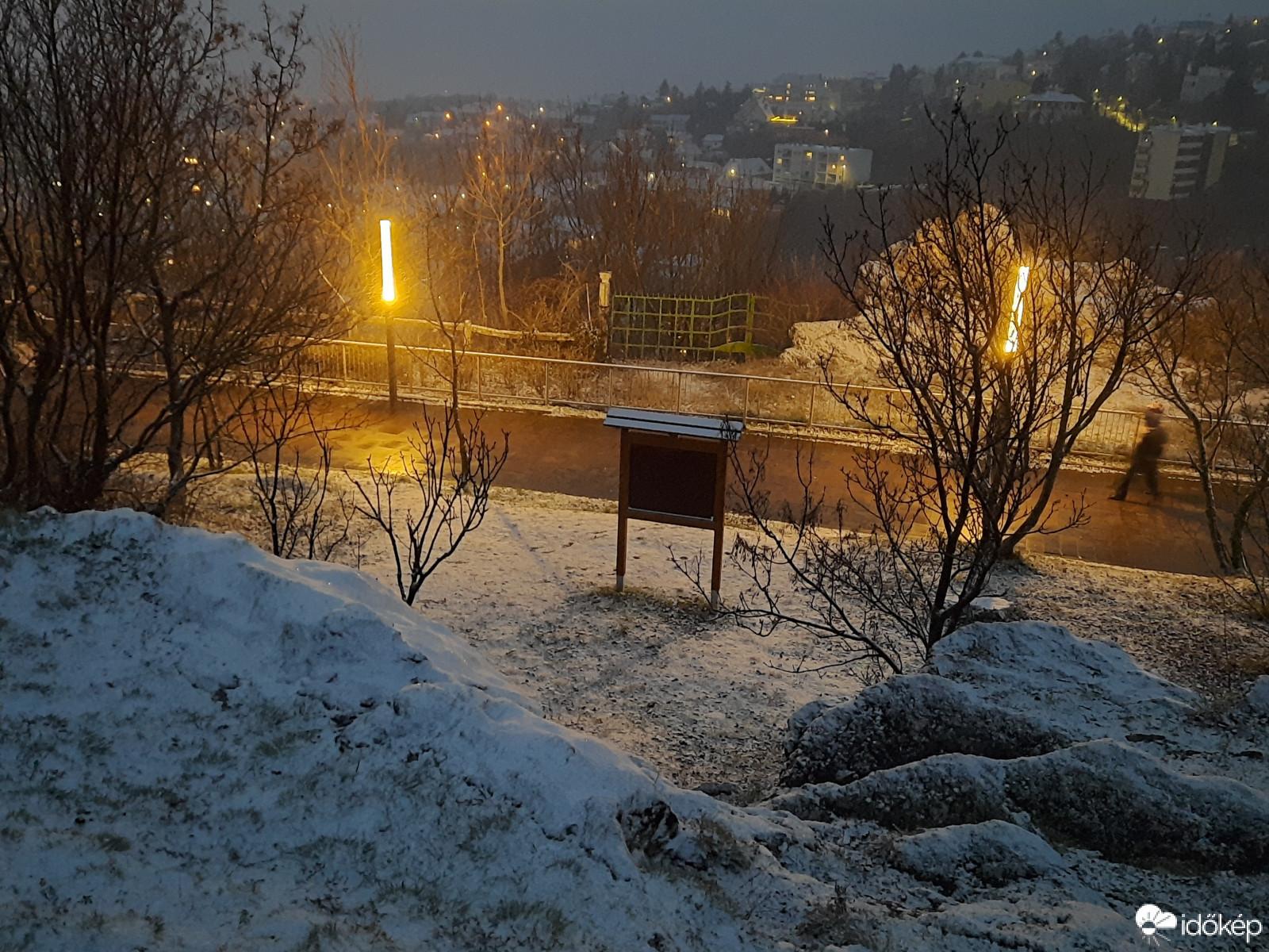 Szakad a hó délen